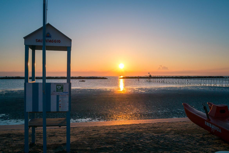 Bellaria-Igea Marina - beach sunrise - In Viaggio Con Monica