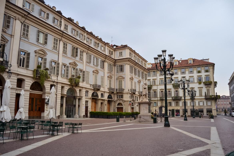 Torino Piazza Carignano - In Viaggio con Monica