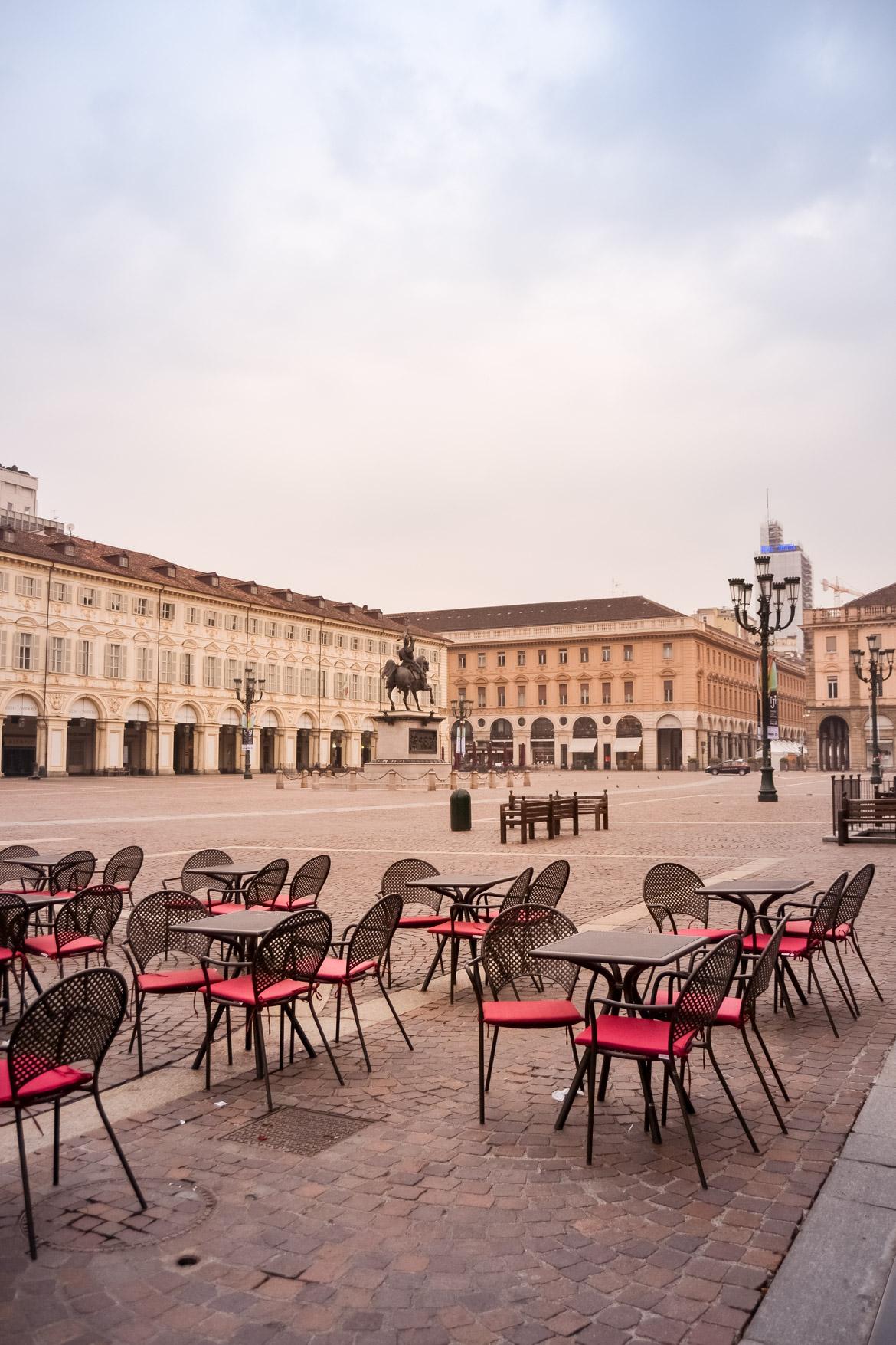 Torino Piazza San Carlo vista d'angolo - In Viaggio con Monica