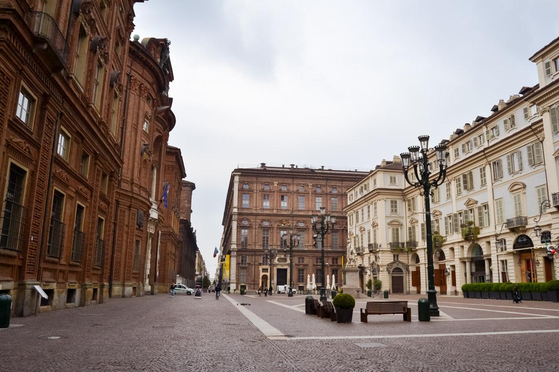 Torino Piazza e Palazzo Carignano Panoramica - In Viaggio con Monica