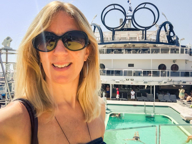 MSC Seaview piscina - Monica Bruni Travel Blogger - In Viaggio Con Monica