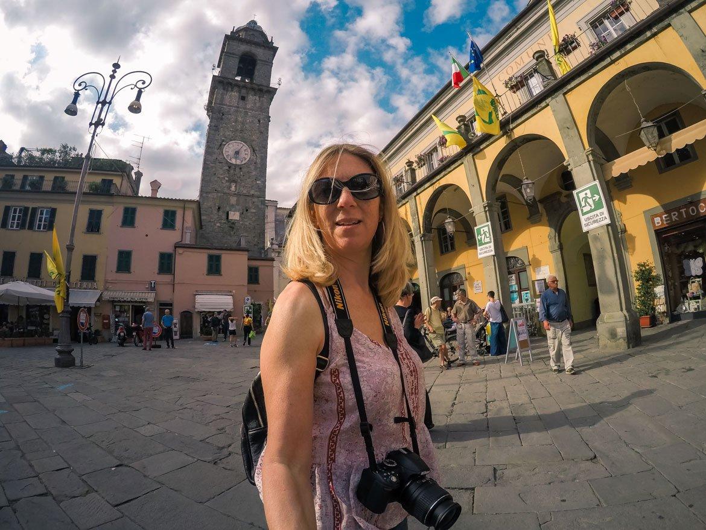 Pontremoli Monica Bruni Gopro Piazza Repubblica - In Viaggio Con Monica