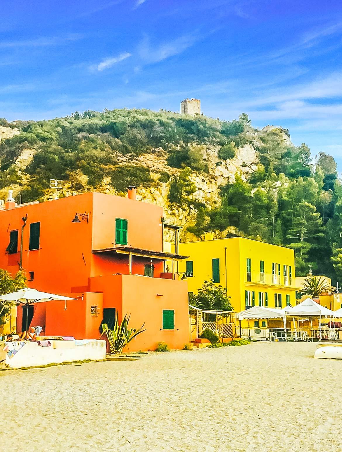 Varigotti case spiaggia - In Viaggio Con Monica