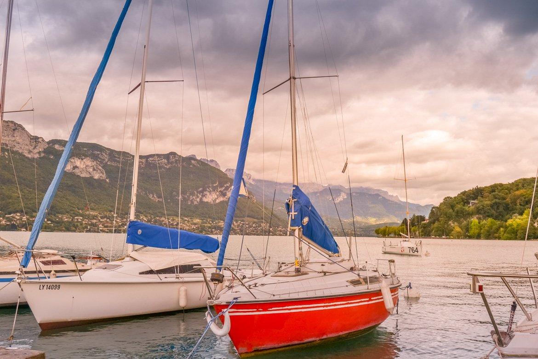 Annecy lago panoramica barche - In Viaggio Con Monica