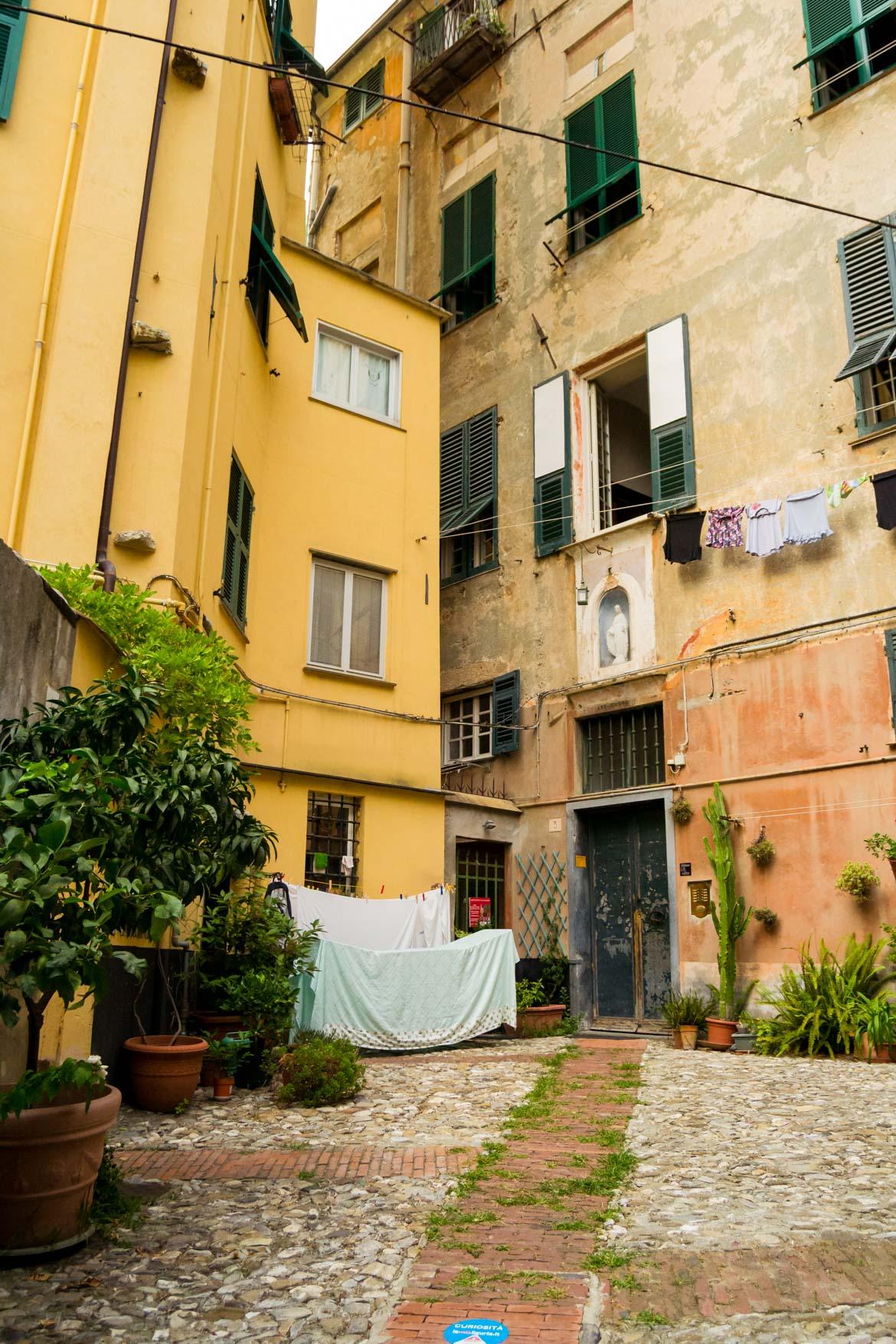 Genova Carmine - In Viaggio Con Monica