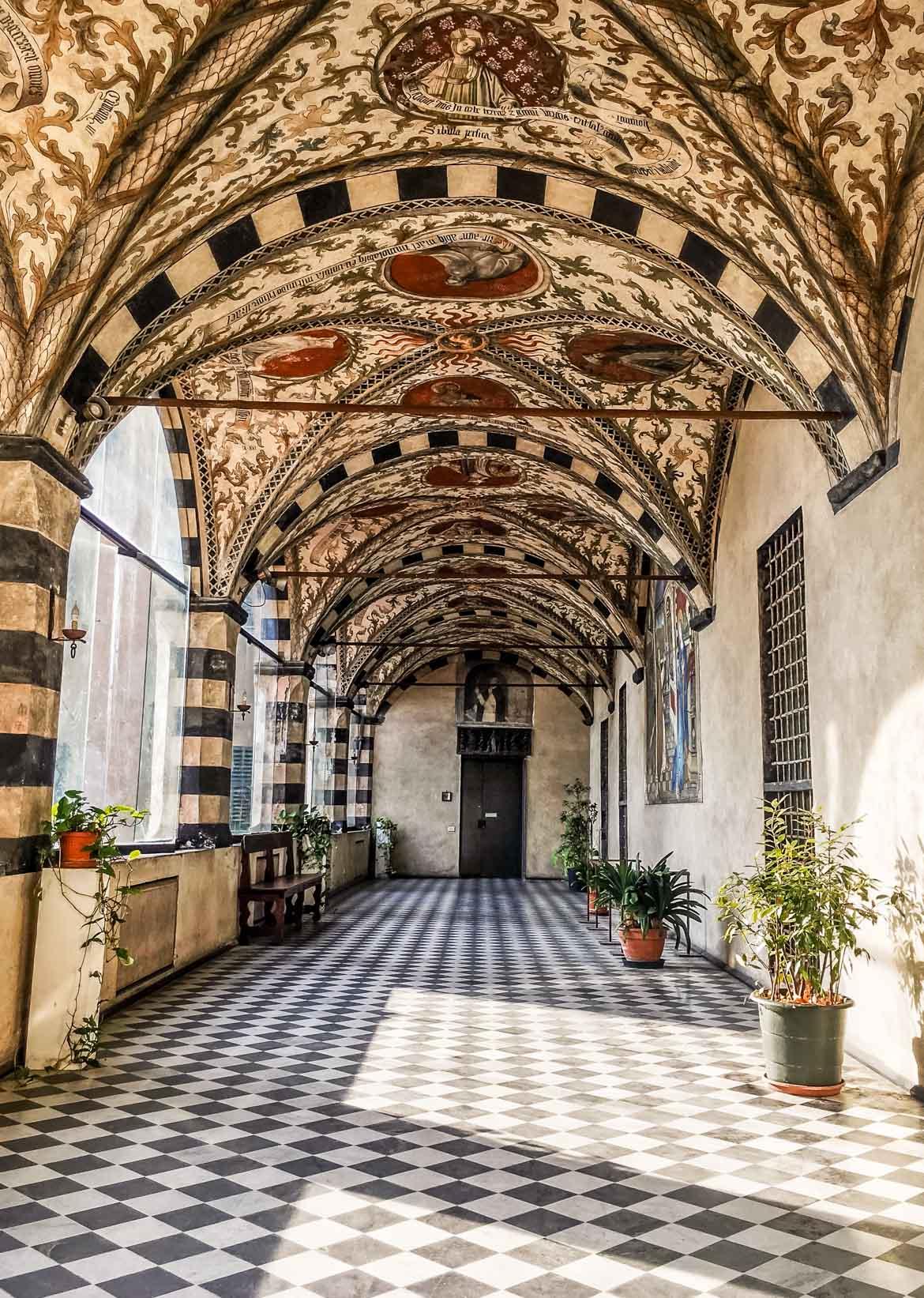 Genova Santa Maria Castello loggia - In Viaggio Con Monica