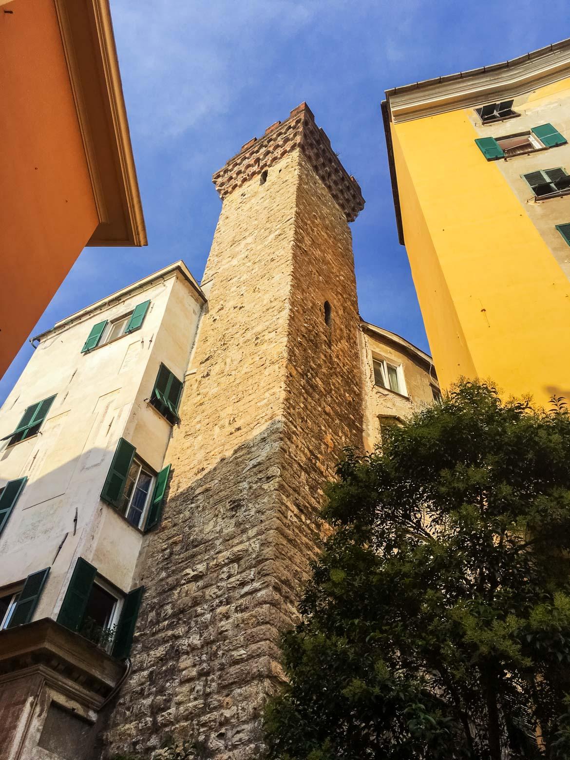 Genova Torre Embriaci - In Viaggio Con Monica