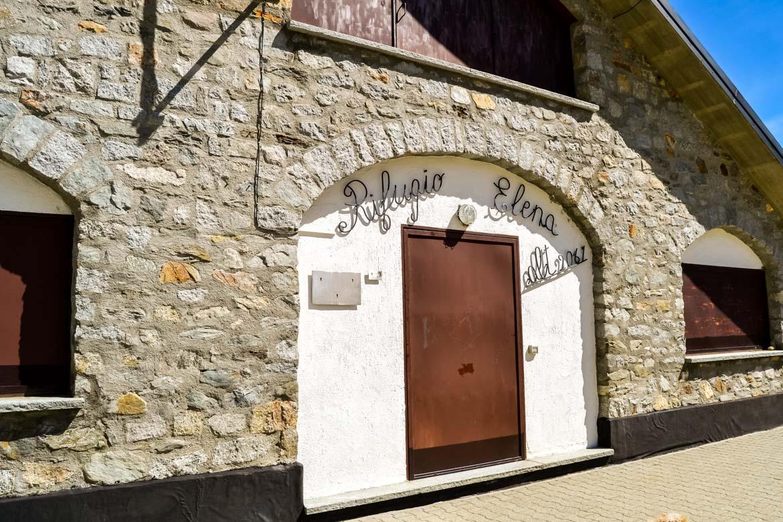 Val Ferret Rifugio Elena ingresso - In Viaggio Con Monica