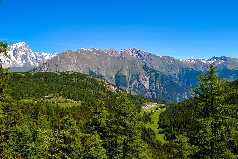 Valle d'Aosta Lago d'Arpy sentiero panorama sulla Valdigne- In Viaggio Con Monica