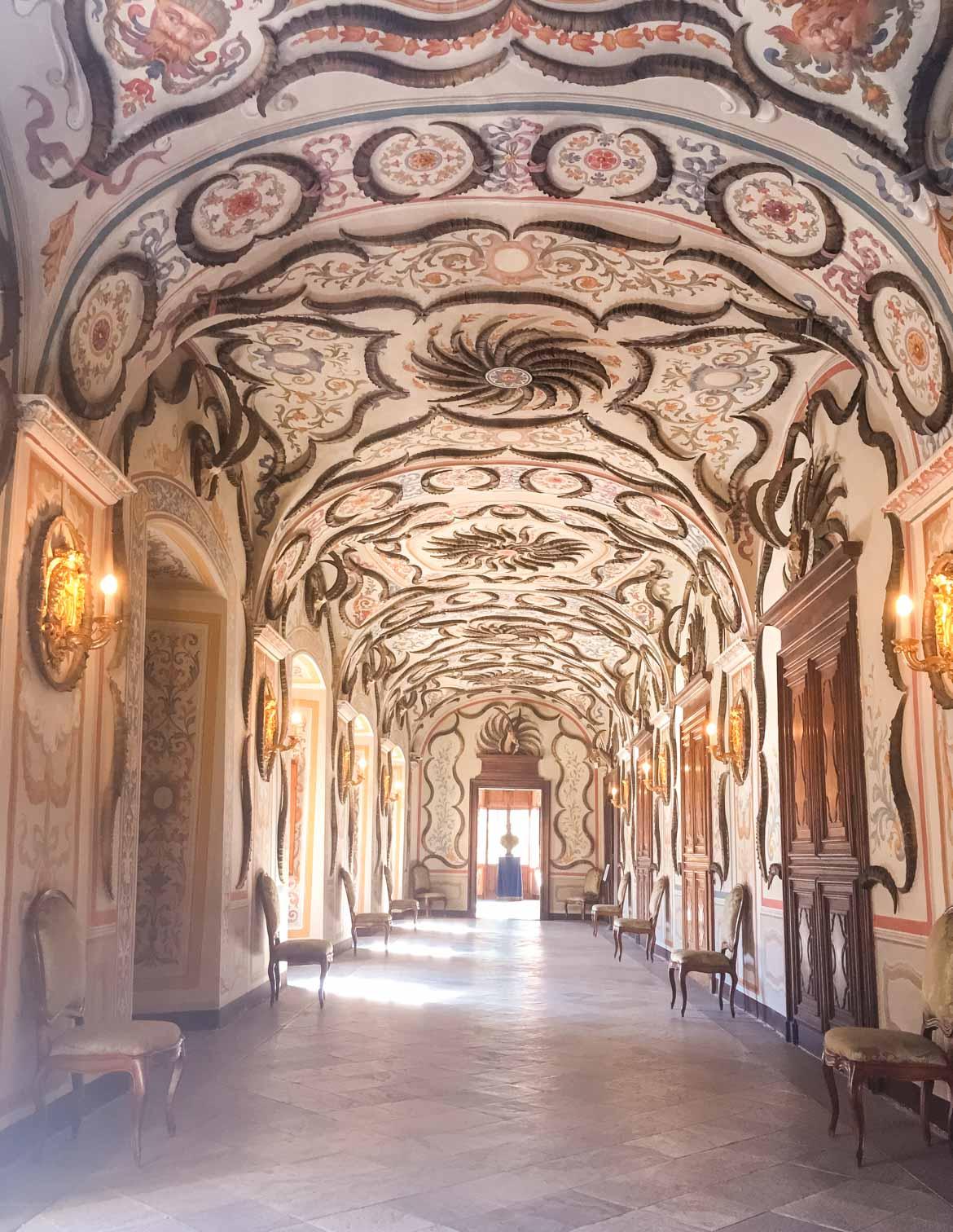 Castello Sarre Salone corna - In Viaggio Con Monica