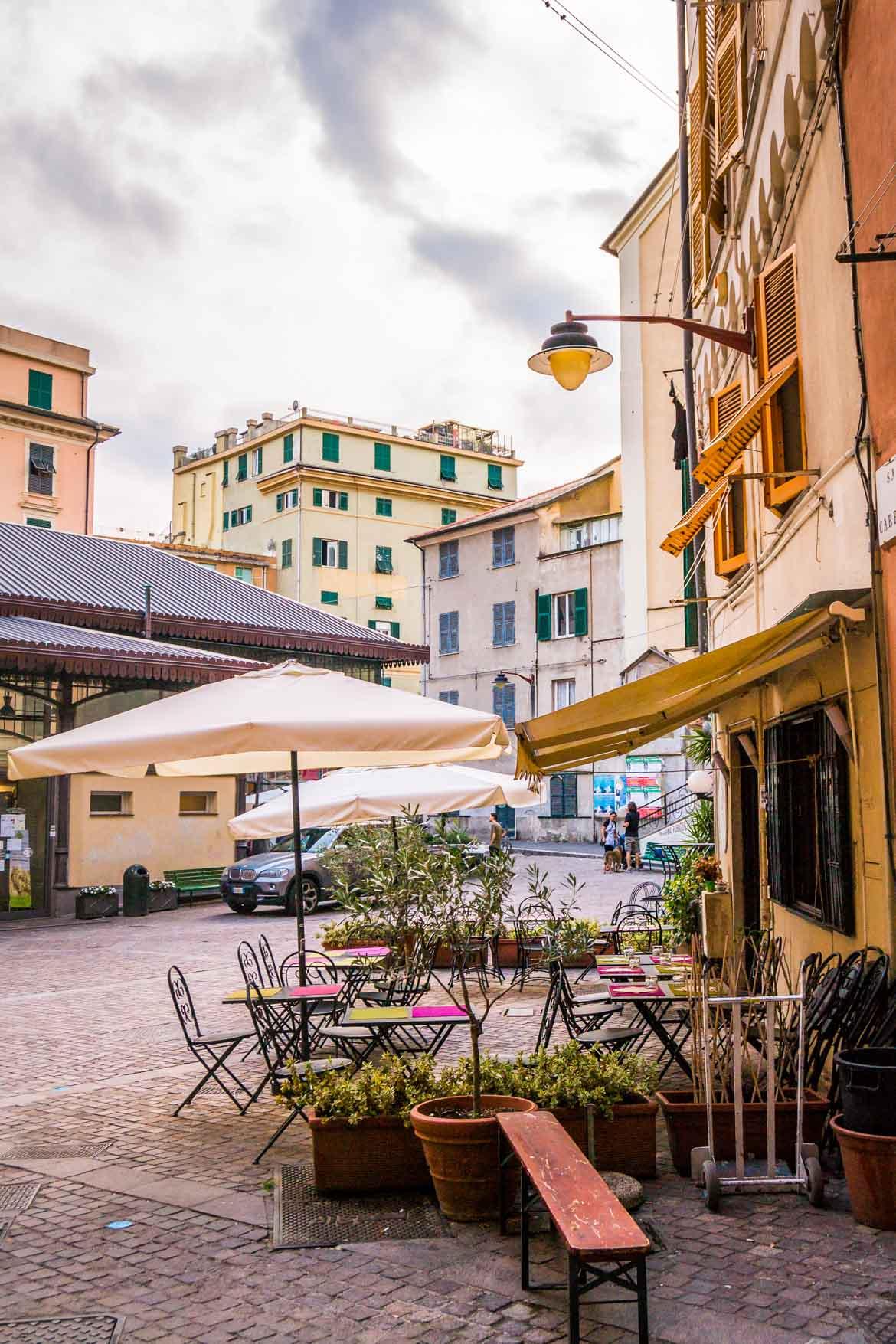 Genova Piazza del Carmine - In Viaggio Con Monica