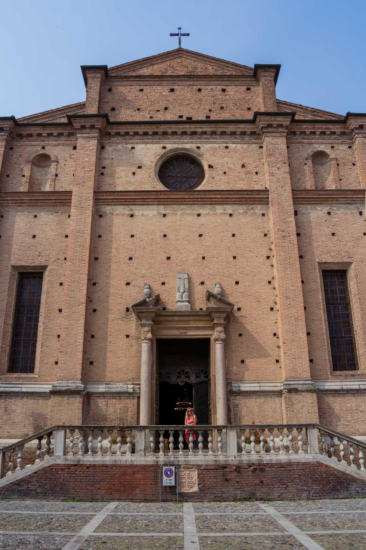 Piacenza Chiesa San Sepolcro -In viaggio con Monica