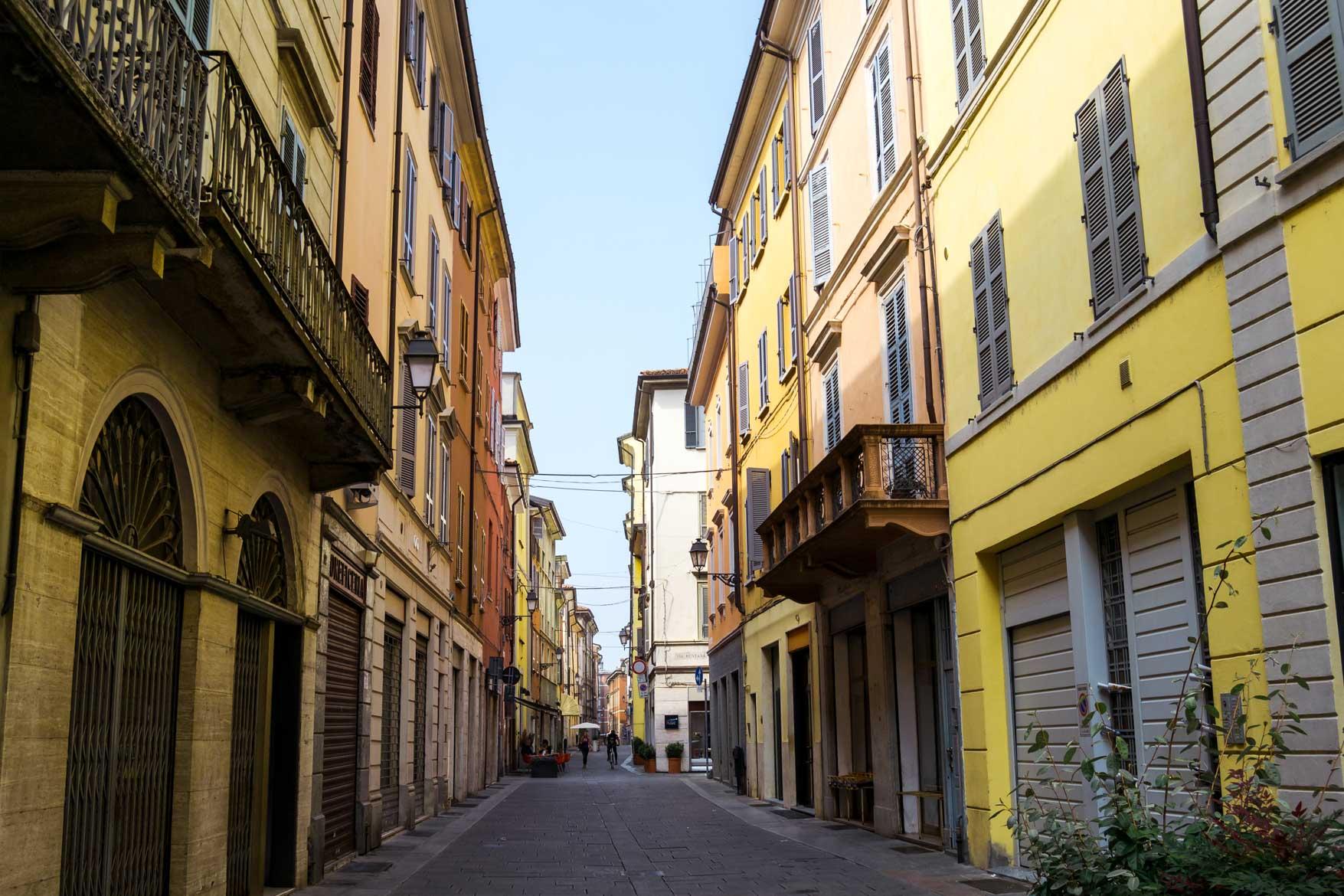 Piacenza strada - In viaggio con Monica