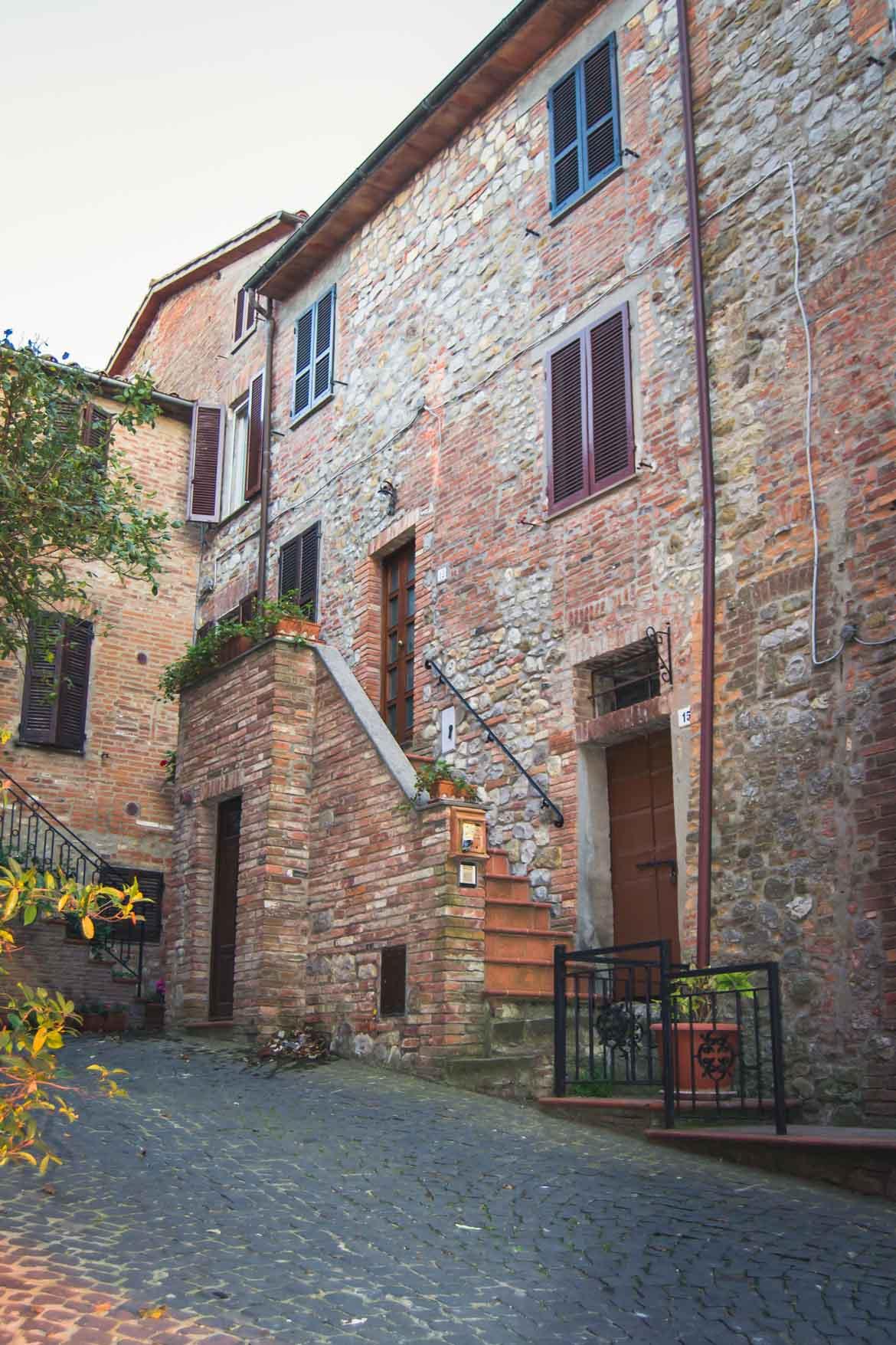 Monteleone d'Orvieto - case- In viaggio con Monica