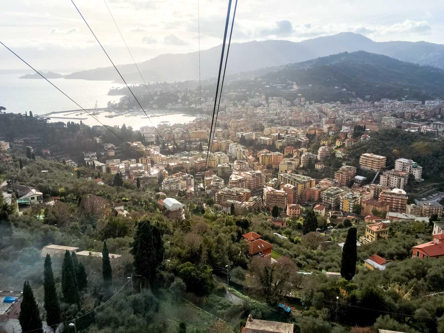 Rapallo vista dalla funivia per Montallegro - In viaggio con Monica