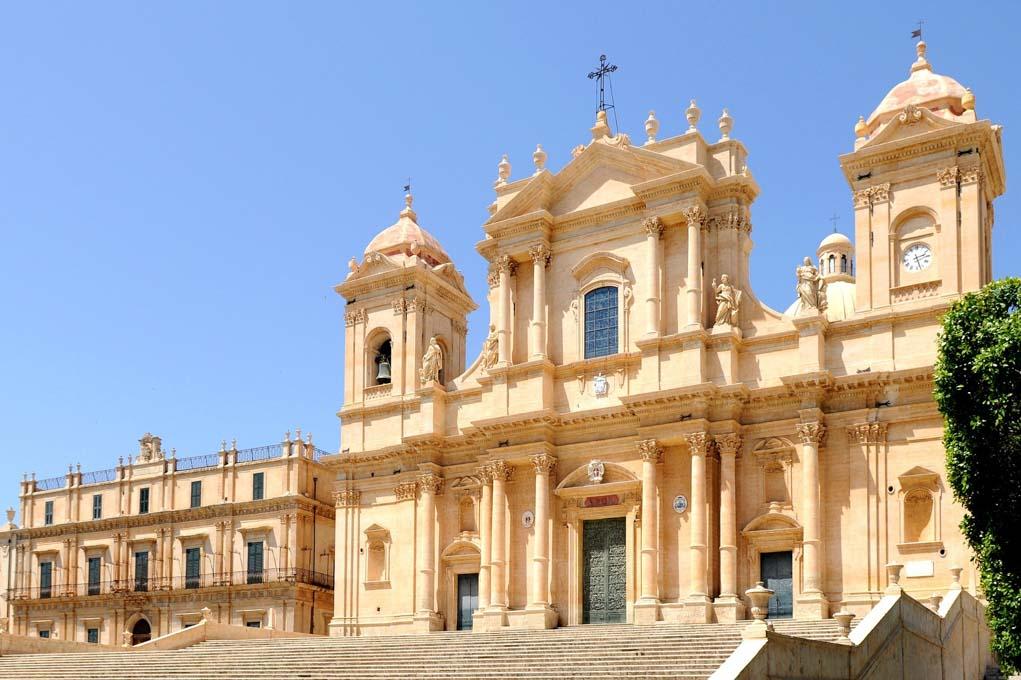 Cattedrale Noto - Dove andare in vacanza a marzo