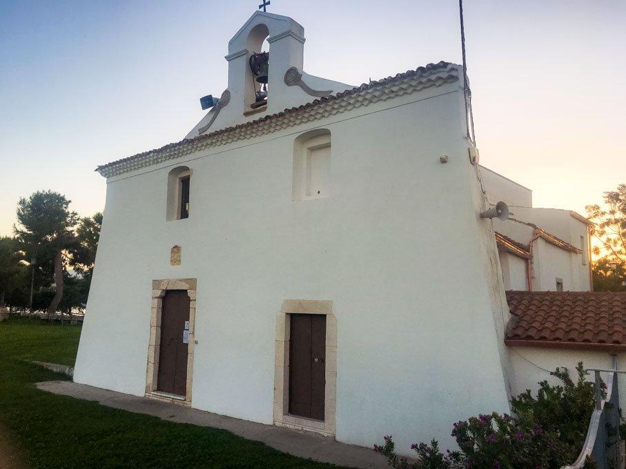 Chiesa Crocifisso Varano Laghi di Puglia