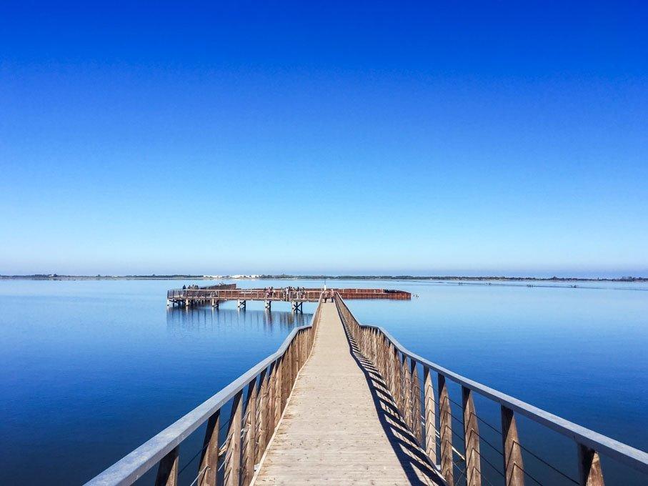 Passerella sul lago di Lesina - Isola San Clemente