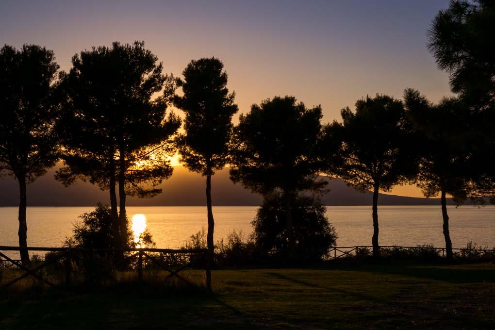 Tramonto sul lago di Varano