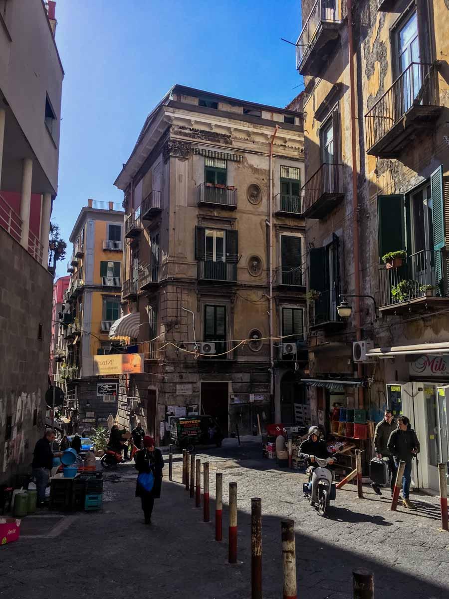 Napoli: cosa vedere in 3 giorni - Quartieri Spagnoli