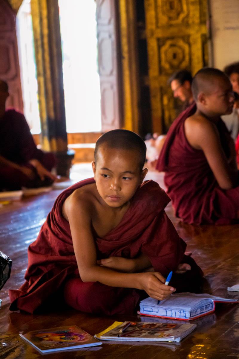 Viaggio in Myanmar - Monaci