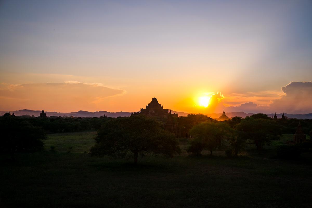 Viaggio in Myanmar - Tramonto Bagan