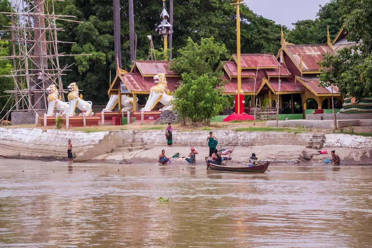 vita sul fiume Irrawaddy