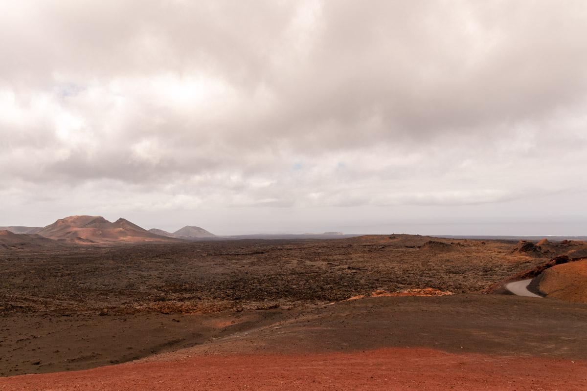Parco nazionale del Timanfaya visto dall'isolotto di Hilario