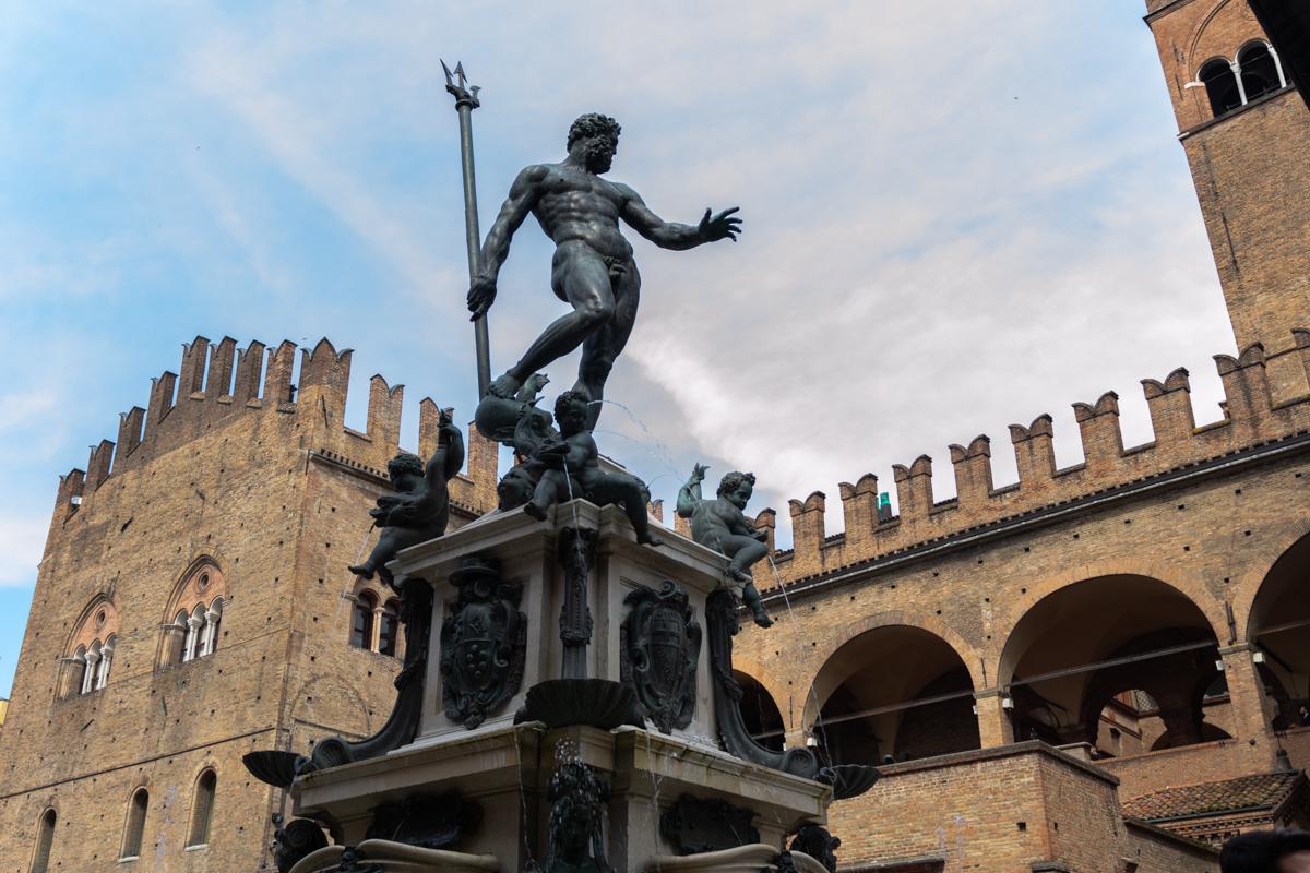 Statua Nettuno Bologna - Cosa vedere a Bologna