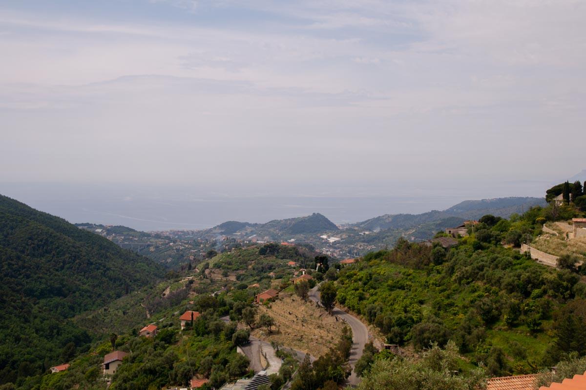 Vista panoramica sul mar Ligure e terrazzamenti