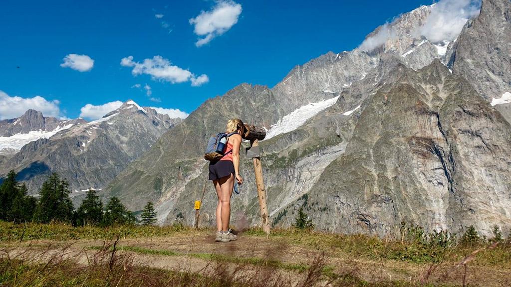 Vista sul Monte Bianco dal sentiero per il lago Checrouit
