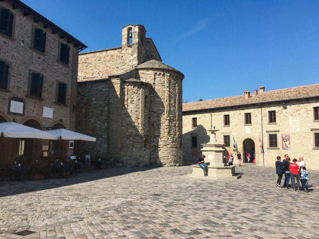 Piazza di San Leo